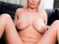 hot-MILF-posing-nude
